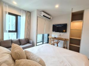 For SaleCondoWitthayu,Ploenchit  ,Langsuan : Urgent Sale Life one Wireless4.2 MBFully Furnised with 24 sqm.36th FloorSell with tanent! IB or 0823651444