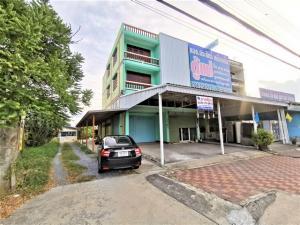 For RentShophouseNakhon Pathom, Phutthamonthon, Salaya : Corner building for rent, 55 sq.w., 8.5 m wide with land along Petchkasem Road. Near the intersection of Khlong Mai.