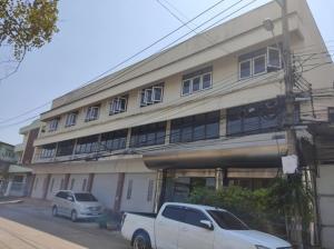 For RentShophouseEakachai, Bang Bon : Rent 3-storey building, Bang Bon 1, Bang Bon Road, land 139 sq m, usable area 1,125 square meters, near Sampeng 2