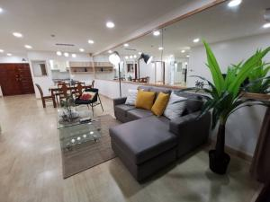For SaleCondoPattanakan, Srinakarin : Condo for sale, Flula Ville Pattanakarn 51, but complete the whole room at a very good price.