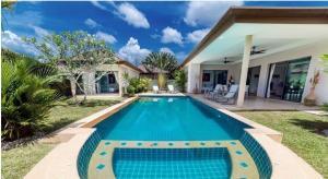 For RentHousePhuket, Patong : Luxury villa for rent@Bangtao Beach,Phuket