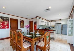 For RentHousePhuket, Patong : Villa for rent@Surin Beach,Phuket