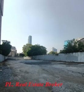 For SaleLandSukhumvit, Asoke, Thonglor : Land for sale on Ekamai Road, size 400 sq m. Near BTS Ekkamai and Petchaburi road.