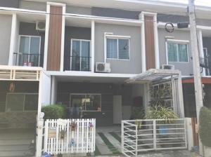 For SaleTownhousePattanakan, Srinakarin : For Sale 2-storey townhome for sale, Pleno Srinakarin project, Soi Sri Dan 22, not deep, beautiful house, fully furnished, real price, selling 2.7 million, make an appointment, see the property