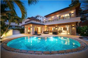 For RentHousePhuket, Patong : Villa for rent@Surin beach