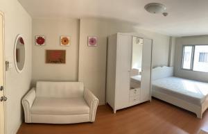 For RentCondoRamkhamhaeng, Hua Mak : For rent Lumpini Condo Town Bodindecha - Ramkhamhaeng Nice decorated room