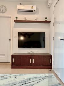 For RentCondoSukhumvit, Asoke, Thonglor : The Tree Sukhumvit 71-Ekkamai 🛑 usable area 30 sq m, 1 bedroom, 1 bathroom, 17th floor, not hot 🛑 Fully furnished.