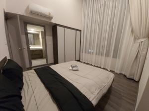 For RentCondoWongwianyai, Charoennakor : *** (3 Bedrooms/Duplex) Condo for rent : Ideo Sathorn Wongwian Yai***