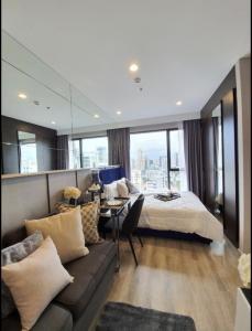 เช่าคอนโดพระราม 9 เพชรบุรีตัดใหม่ : For Rent  Ideo Mobi Asoke เฟอร์นิเจอร์และเครื่องใช้ไฟฟ้า @JST Property.