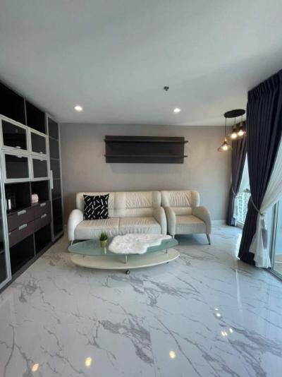For RentCondoSilom, Saladaeng, Bangrak : Condo for rent, Silom Suite, 49 sqm, floor 29, near BTS Suasak, ready to move in.