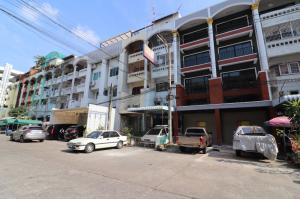 For SaleShophousePinklao, Charansanitwong : Shophouse behind Lotus Pinklao, special price, 5.5 million, good condition, ready to move in.