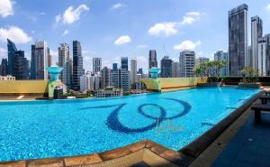 For RentCondoSukhumvit, Asoke, Thonglor : !! Urgent sale / rent Wilshire Condominium (Wilshire Condominium) High Rise Sukhumvit 22, 18th floor, 3 bedrooms, 4 bathrooms, 166 square meters, wide balcony, very beautiful, fully furnished, ready to move in.
