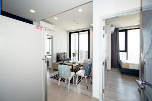 For RentCondoSukhumvit, Asoke, Thonglor : Condo for rent: XT Ekkamai - 2 bedrooms, corner room, size 46.5 sq m.