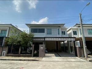 ขายบ้านพัฒนาการ ศรีนครินทร์ : ขาย บ้านเดี่ยว 2 ชั้น สวยใหม่ ตกแต่งสวย พร้อมบิวท์อิน ทิศตะวันออกเฉียงใต้ BE13-43