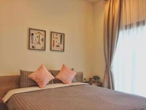 For RentCondoRama9, RCA, Petchaburi : Quick rent, beautiful room, good price for rent Circle2 1 bedroom, 1 bath, 46th floor.