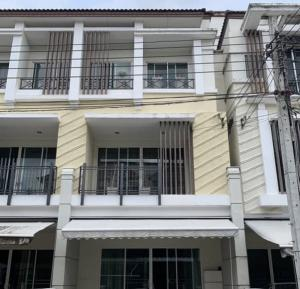 For RentTownhouseKaset Nawamin,Ladplakao : For rent, 3-storey townhome, Kaset Nawamin Village, 2 Soi Lat Pla Khao 79, very beautiful house, fully furnished. Fully electrical appliances to live in and can accommodate small animals. Or can be a company registered office