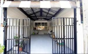 For RentTownhouseRamkhamhaeng Nida, Seri Thai : Townhome for rent, Suan Son Village, 24 sq.wa., 3 floors, 3 bedrooms, T.091-091-0901 Nook.