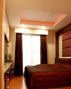 For RentCondoRatchadapisek, Huaikwang, Suttisan : 28269 Condo for rent, Amanta Ratchada [Amanta Ratchada] 1 month rental insurance.