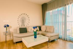 For RentCondoSukhumvit, Asoke, Thonglor : For rent Noble Reveal Ekamai  1Bed, size 56 sq.m., Beautiful room, fully furnished.