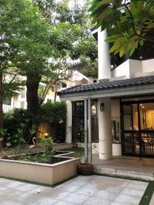 For RentHouseRama3 (Riverside),Satupadit : LBH0018 3-storey single house 3 bedrooms 3 bathrooms Soi Yen Akat 2 100 sqw. 300 sq m. Rent 110,000 baht / month
