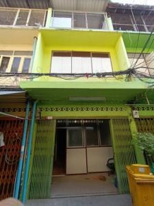 For RentShophouseKhlongtoei, Kluaynamthai : 3-storey commercial building for rent, Soi Charoen Suk, Rama 4 Rd.