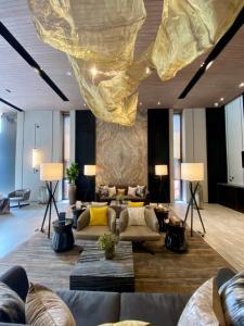 Sale DownCondoSukhumvit, Asoke, Thonglor : 🔥🔥Cut Loss🔥🔥The ESSE Sukhumvit 36 2 Bedroom 73.5 Sq.m @@ 22,100,000 Baht