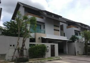 For RentHouseYothinpattana,CDC : For Rent 3-storey house for rent, luxury project, Private Nirvana Residence, Private Nirvana Residence, next to the road along the Ekamai-Ramindra Expressway, very beautiful house, fully furnished, fully furnished.