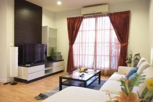 For RentCondoSukhumvit, Asoke, Thonglor : For Rent! Citi Smart Sukhumvit 18 (Citi Smart Sukhumvit 18) 3 Bed / 3 Bath Hot Price !!! 🔥🔥