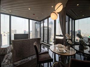 For RentCondoRama9, RCA, Petchaburi : For rent, Ashton Asoke-Rama 9, beautiful decoration, luxury, fully furnished, ready to move in.