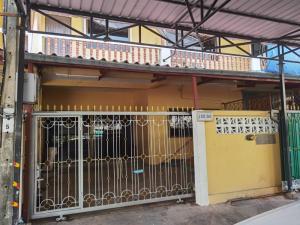 For RentTownhouseRathburana, Suksawat : Townhouse for rent 32 sq.w. 3 floors, Sinthavee Village, Suan Thon 3, Pracha Uthit 89 / 1- ER-210096.