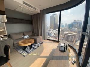 For SaleCondoSiam Paragon ,Chulalongkorn,Samyan : Urgent sale, Ashton Chula, 2 bedrooms, high floor, sold fully furnished.