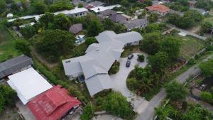ขายบ้านเชียงใหม่-เชียงราย : Pool villa ขนาดใหญ่ พร้อมอาคารเอนกประสงค์ ทรัพย์ 4 ไร่ 29 ตรว.