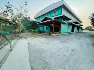 For SaleFactoryPattaya, Bangsaen, Chonburi : Factory for sale with land 5 rai 64 sq m, Huai Kapi, Chonburi