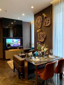 ขายดาวน์คอนโดสุขุมวิท อโศก ทองหล่อ : 🔥🔥The ESSE Sukhumvit 36 1 Bedroom 43 sq.m. ขาย!!! ราคาที่ดีที่สุดของโครงการ )🔥🔥