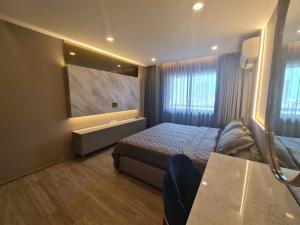 เช่าคอนโดสุขุมวิท อโศก ทองหล่อ : New Renovate of all room 🔥🔥For Rent 🔥🔥Royal Castle Sukhumvit 39 3 Bed 2 Bath 139 Sq.m Nice decoration