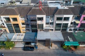 ขายตึกแถว อาคารพาณิชย์เลียบทางด่วนรามอินทรา : ขายตึก อาคาร สำนักงาน 5 ชั้น Town In Town ศรีวรา 33.1 ตรว. ตกแต่งแล้ว ราคาพิเศษสุดๆ ด่วน!!