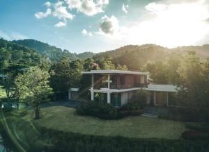 "For SaleHouseChiang Mai : Chiang Mai vacation home ""Pong Yang Vingt"" (Pong Yang Vingt) very beautiful *** !!!!"
