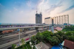 For SaleCondoRama5, Ratchapruek, Bangkruai : Condo next to the train, price less than 2 million !!