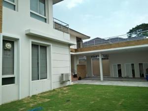 เช่าบ้านพัฒนาการ ศรีนครินทร์ : ให้เช่าบ้านเดี่ยว 2 ชั้น (ตกแต่งใหม่) เนื้อที่ 120 ตารางวา 4 ห้องนอน 4 ห้องน้ำ แอร์ เฟอร์ครบ ถนน ศรีนครินทร์ ห้างพาราไดซ์ ราคาเช่า 80,000 บ/ด