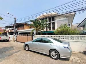 For RentHouseRatchadapisek, Huaikwang, Suttisan : 2 storey detached house for rent, area 70 square wah, 4 bedrooms, 3 bathrooms, partially air-conditioned, Ratchada Road, Huay Kwang, rental price 35,000 baht / month