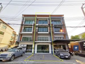 For SaleShophouseRathburana, Suksawat : 3.5-storey commercial building, Richy Place 2, Phutthabucha 36, beautiful building, renovated, ready to use, only 4.5 million.