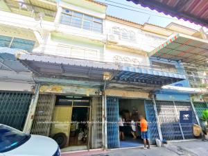 For SaleTownhouseWongwianyai, Charoennakor : 3-storey building, Taksin 28, 2.2 km. To BTS Wongwian Yai, only 2.2 million.