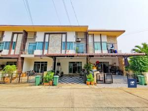 For SaleTownhouseRama 2, Bang Khun Thian : Casa City Bang Khun Thian Rama 2, a nice project from Quality House 4 bedrooms, complete additions, near the garden, only 2.35 million.