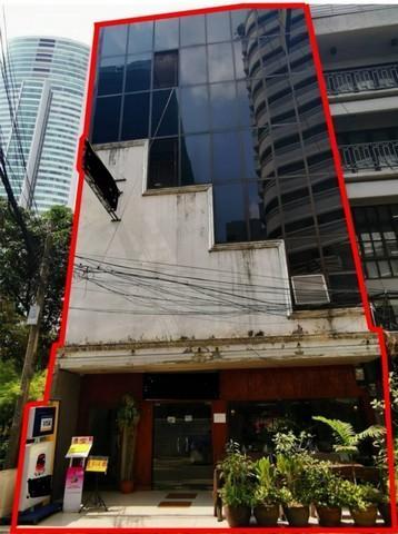 For SaleShophouseRama9, RCA, Petchaburi : Selling 2 commercial buildings, 5 floors in Sukhumvit 20, near BTS Asoke and Phrom Phong.