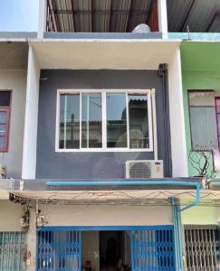 เช่าทาวน์เฮ้าส์/ทาวน์โฮมวงเวียนใหญ่ เจริญนคร : BH867 ให้เช่าบ้านทาวน์เฮ้าส์ 3ชั้น (รีโนเวทใหม่ทั้งหลัง) 3ห้องนอน 2ห้องน้ำ เขตบางกอกใหญ่ เหมาะกับอยู่อาศัย  ราคาเช่า12,000.-/เดือน