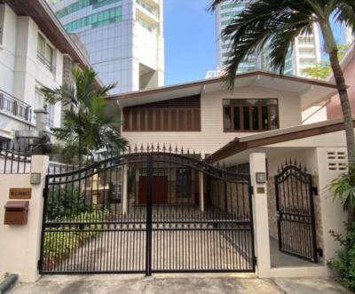 For RentHouseSukhumvit, Asoke, Thonglor : 2 storey detached house for rent in Sukhumvit, Sukhumvit 16, near BTS Asoke, near MRT Sukhumvit.