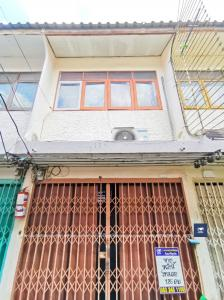 For SaleTownhouseWongwianyai, Charoennakor : Charoen Nakhon 48, opposite Asiatique, only 1.85 million !! Suitable for buying to Renovate living compared to per square meter, more value than condo.