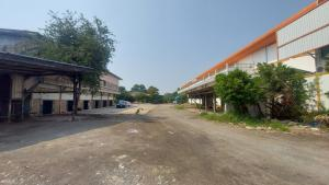 For RentWarehouseRama 2, Bang Khun Thian : Land + warehouse for rent with rooms for rent workers.