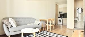 For RentCondoSukhumvit, Asoke, Thonglor : Park 24 ห้อง 1 ห้องนอน ห้องสวย เรียบ Minimal สไตล์ Modern Japanese ขนาด 39 ตรม. สุขุมวิท 24 Tower 2 ชั้น 16