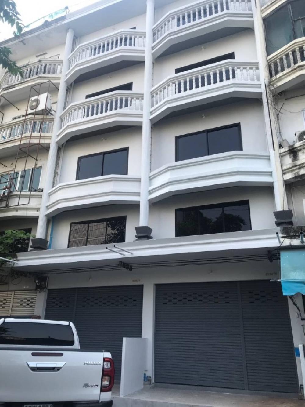 For RentShophouseSamrong, Samut Prakan : 🚨 For rent, commercial buildings (commercial buildings), renovated in Soi Sribunruang, 750 meters from Thepharak Road (SPP1009).